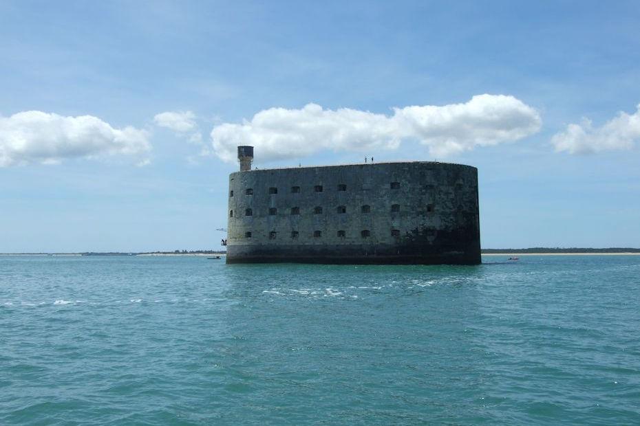 Journée voile à l'ile d'Aix, navigation en voilier depuis La Rochelle avec FreeSailing